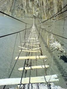 puente-colgante-pakistan.jpg